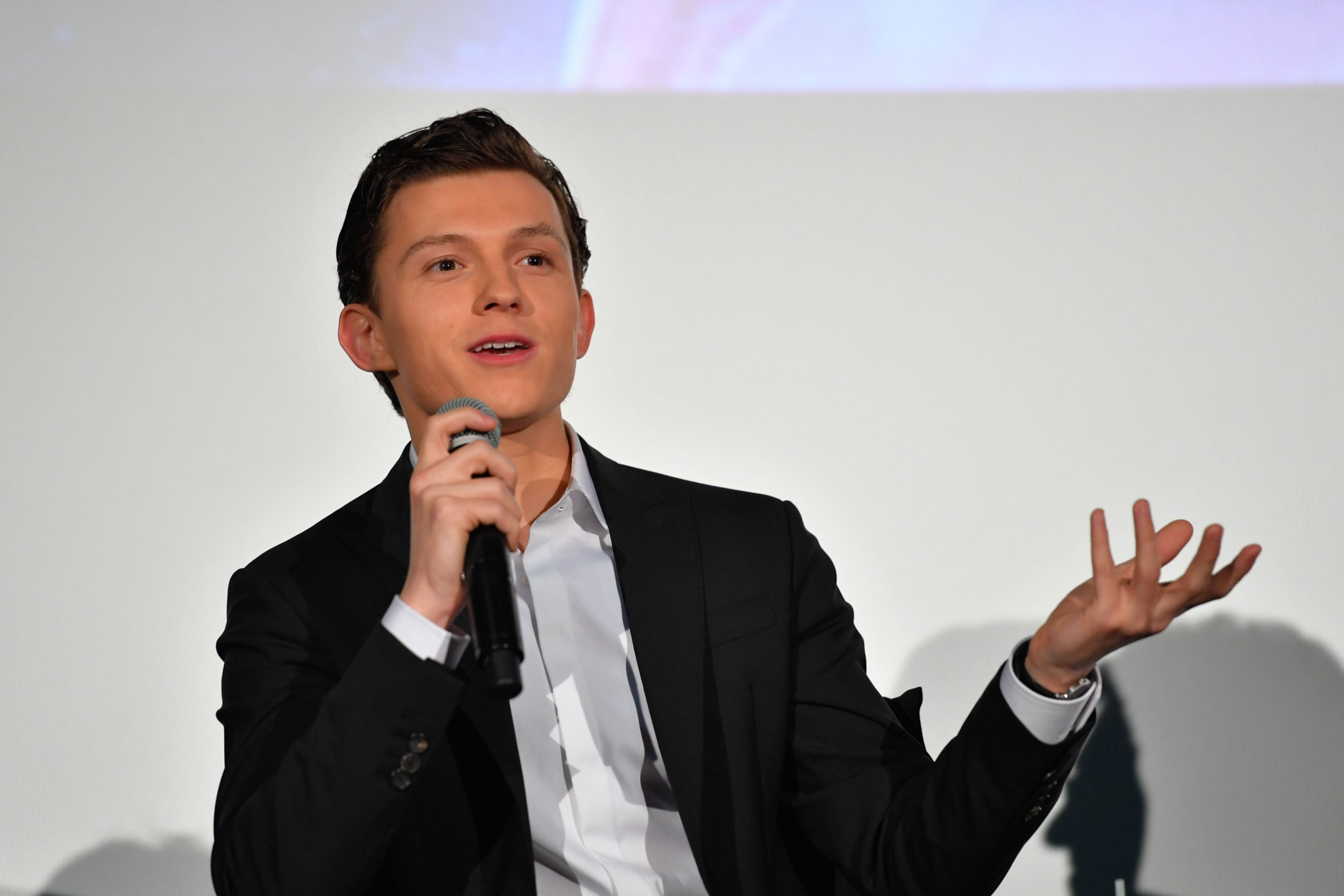 TOKYO, JAPAN - APRIL 16: Actor Tom Holland attends the fan event for 'Avengers Infinity War' Tokyo premiere at the TOHO Cinemas Hibiya on April 16, 2018 in Tokyo, Japan. (Photo by Koki Nagahama/Getty Images for Disney)