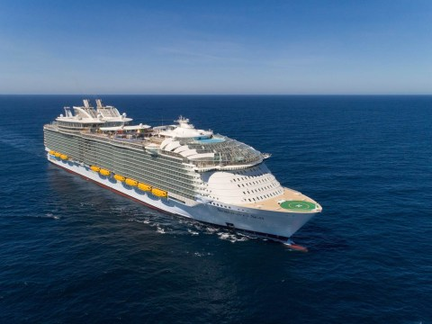 What's it like to sail on the world's biggest cruise ship, Symphony of the Seas?