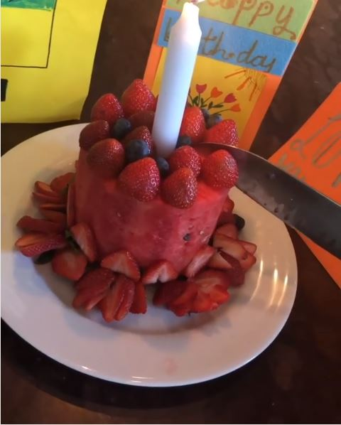 Stupendous Victoria Beckham Celebrated Her Birthday With A Cake Made Out Of Personalised Birthday Cards Veneteletsinfo