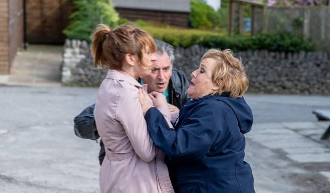 Laurel attacks Brenda in Emmerdale