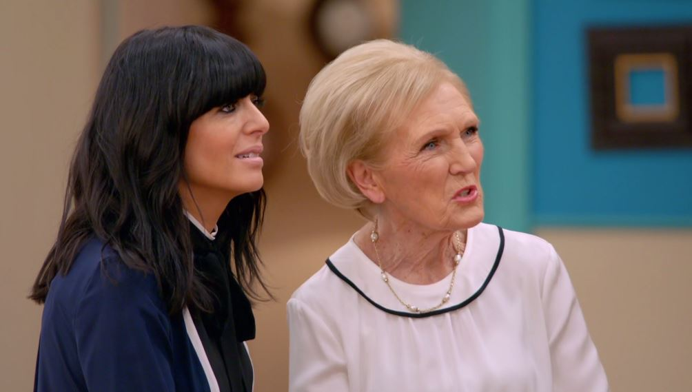 Mary Berry's controversial view on bottomless pies leaves viewers livid: 'Mary is wrong'