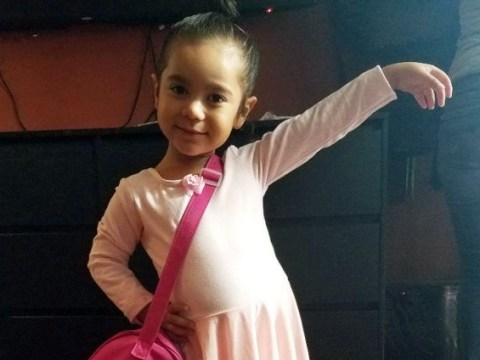 Four-year-old deaf girl loves to dance even though she can't hear the music