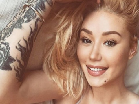 Iggy Azalea looks drastically different in lingerie selfie – but fans reckon it could just be her smile
