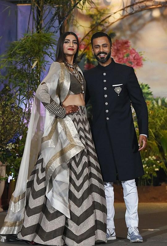 Sonam Kapoor and Anand Ahuja Bollywood wedding reception