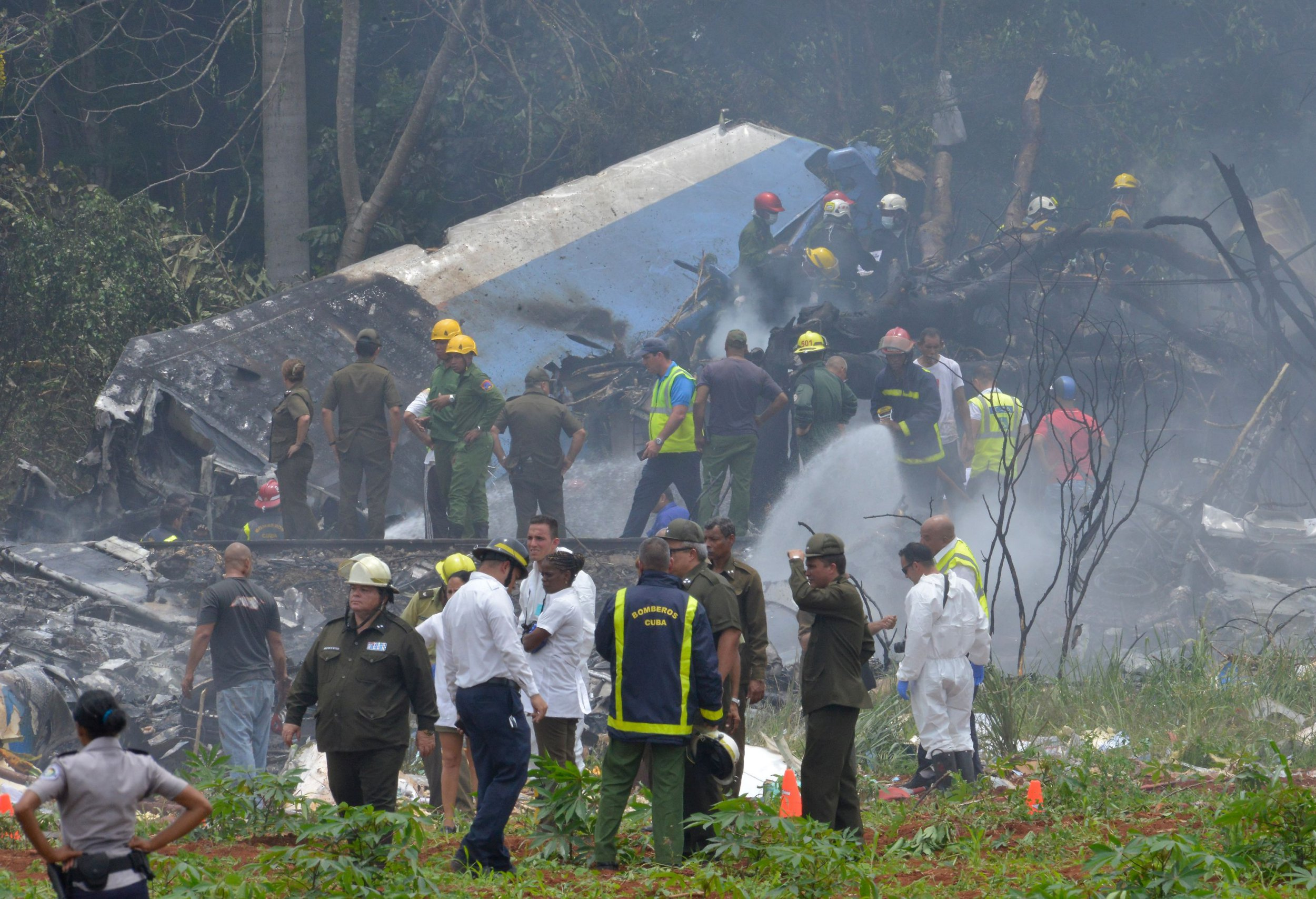 Plane 'containing 104 passengers' crashes in Havana, Cuba