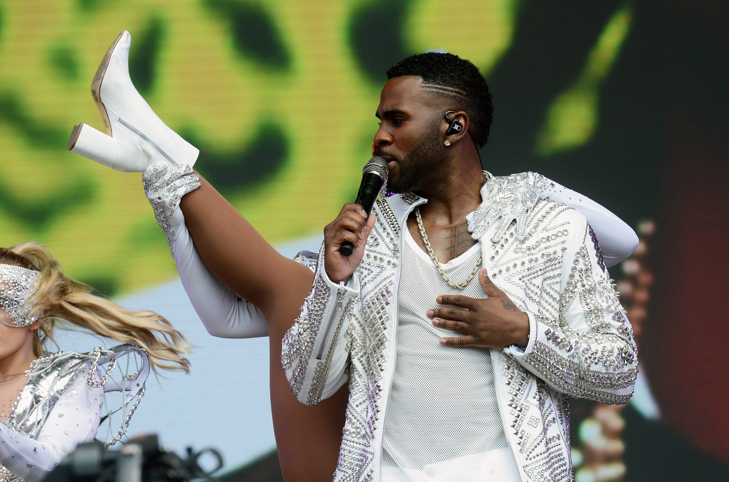 SWANSEA, WALES - MAY 27: Jason Derulo performs during day 2 of BBC Radio 1's Biggest Weekend 2018 held at Singleton Park on May 27, 2018 in Swansea, Wales. (Photo by Dave J Hogan/Dave J Hogan/Getty Images)