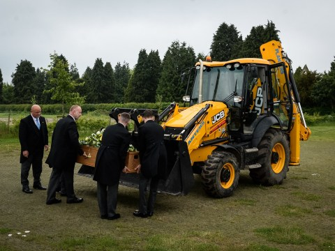 Former digger driver, 77, gets driven to his funeral in bucket of a JCB