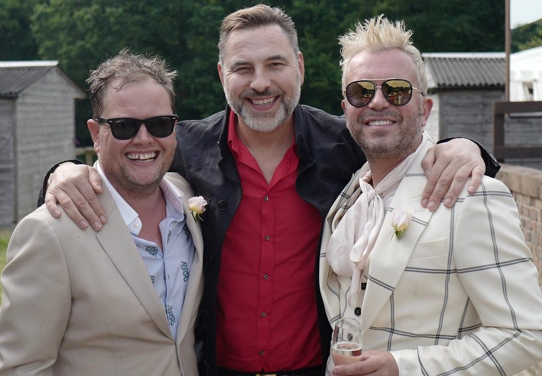 David Walliams partied with Alan Carr and husband Paul Drayton at their wedding reception (Picture: Twitter)