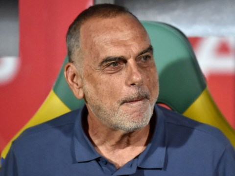 Chelsea consider appointing Avram Grant as Antonio Conte's replacement