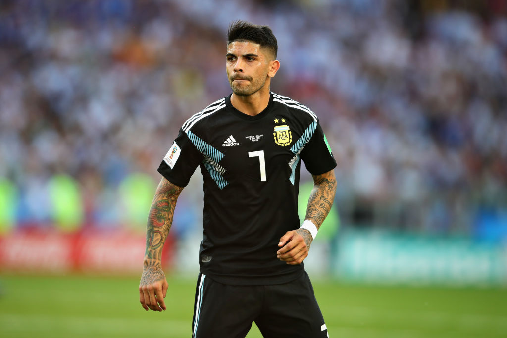 Ever Banega set to reject Unai Emery and Arsenal to stay at Sevilla