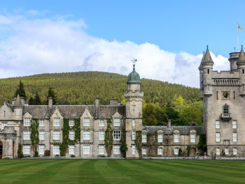 Where is Balmoral Castle and does the Queen live there?