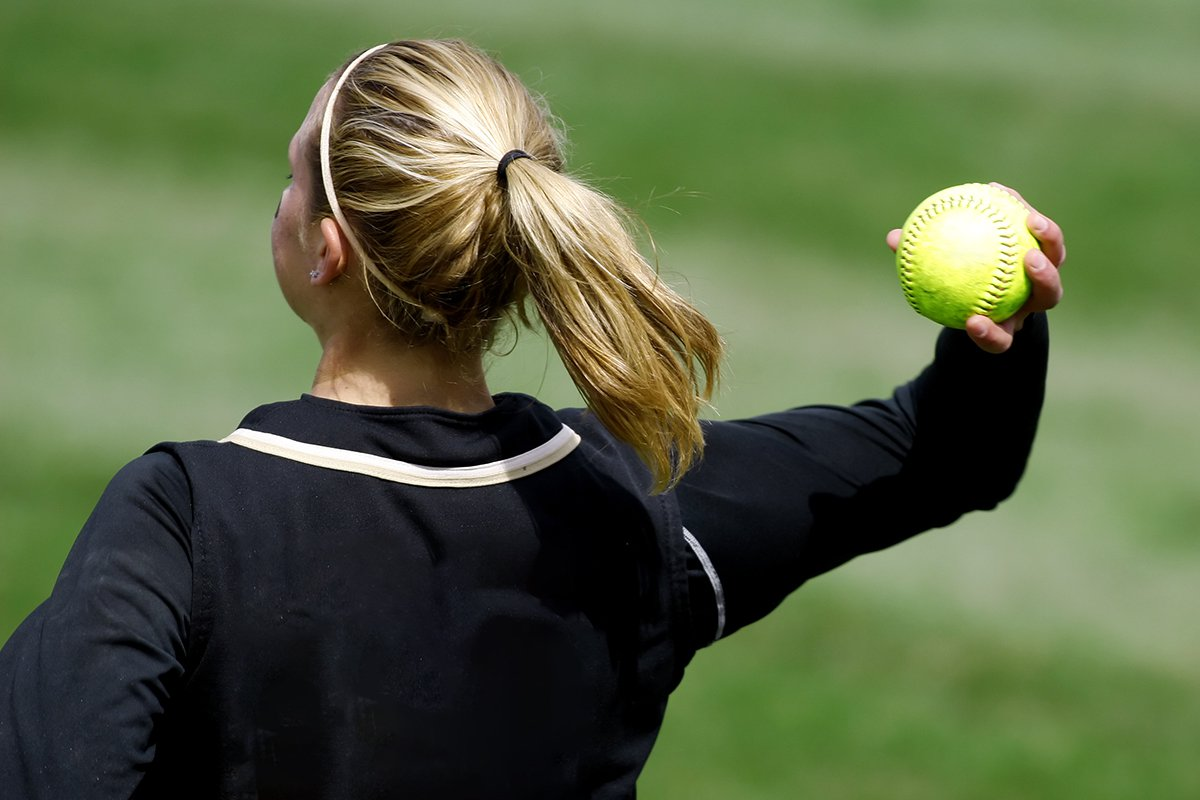 Girl throwing ball (Picture: Brandon Laufenberg/Getty)
