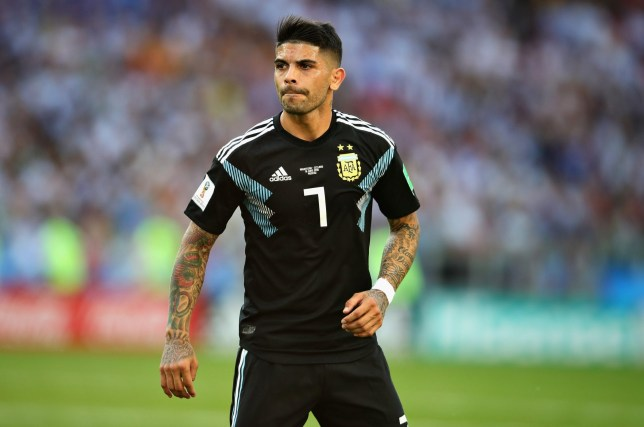MOSCOW, RUSSIA - JUNE 16: Ever Banega of Argentina in action during the 2018 FIFA World Cup Russia group D match between Argentina and Iceland at Spartak Stadium on June 16, 2018 in Moscow, Russia. (Photo by Chris Brunskill/Fantasista/Getty Images)