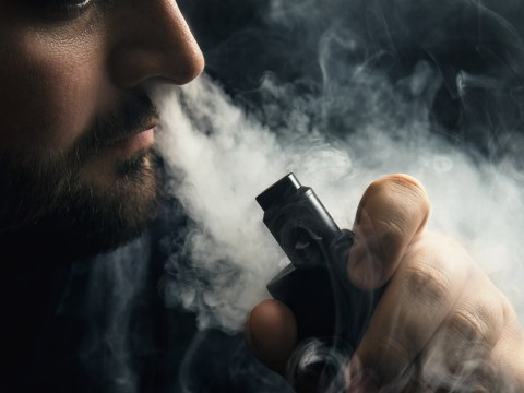 Army of internet 'bots' are spreading positive messages about e-cigs, study finds