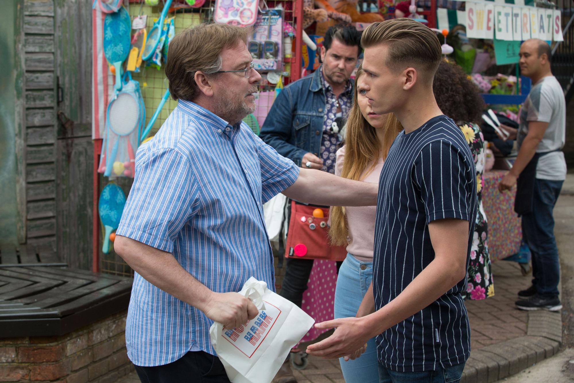 EastEnders spoilers: Hunter Owen manipulates Ian Beale