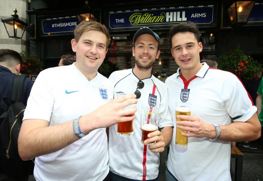 England fans outside the Lord Raglan Pub in London. PRESS ASSOCIATION Photo. Picture date: Monday June 17, 2018. See PA story WORLDCUP England. Photo credit should read: Nigel French/PA Wire
