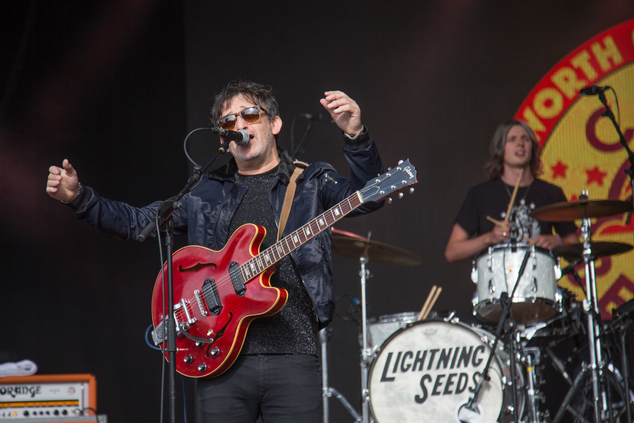 SUNNISIDE LIVE - WAREHAM, ENGLAND - JULY 30: Ian Broudie from The Lightning Seeds performs during Camp bestival Festival at Lulworth Castle on July 30, 2017 in Wareham, England. (Photo by Rob Ball/Getty Images)