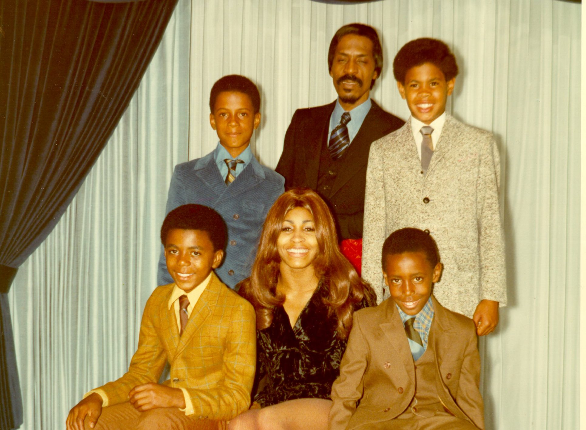 CIRCA 1972: Ike & Tina Turner pose for a portrait with their son and step-sons in circa 1972. Clockwise from bottom left: Michael Turner (Son of Ike & Lorraine Taylor), Ike Turner, Jr. (Son of Ike & Lorraine Taylor), Ike Turner, Craig Hill (Son of Tina & Raymond Hill), Ronnie Turner (Son of Ike & Tina). (Photo by Michael Ochs Archives/Getty Images)