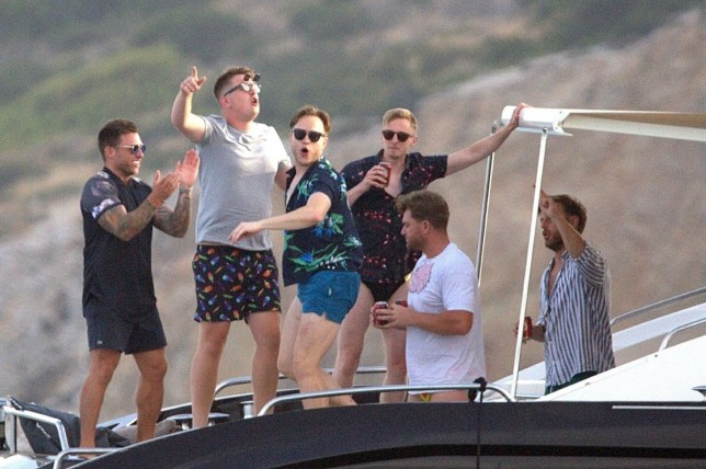 BGUK_1277355 - *EXCLUSIVE* ** RIGHTS: ONLY UNITED KINGDOM ** IBIZA, SPAIN - WEB MUST CALL FOR PRICING - British singer/TV presenter Olly Murs pictured wearing very short shorts as he's pictured with friends board of a yacht having a great time Ibiza. *PICTURES TAKEN ON 30/06/2018* Pictured: Olly Murs BACKGRID UK 4 JULY 2018 BYLINE MUST READ: LAGENCIA GROSBY / BACKGRID UK: +44 208 344 2007 / uksales@backgrid.com USA: +1 310 798 9111 / usasales@backgrid.com *UK Clients - Pictures Containing Children Please Pixelate Face Prior To Publication*