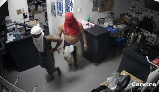 Police: Burglar wearing only sweater later found hiding