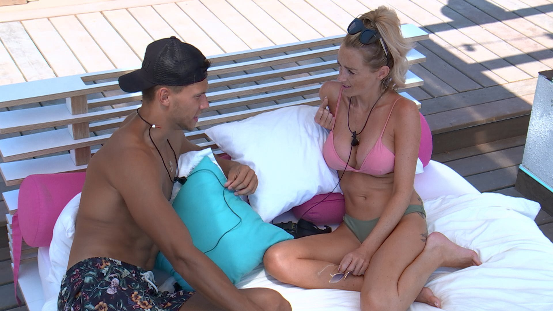 From ITV Studios Love Island: SR4: Ep37 on ITV2 Pictured: Jack and Laura chat. This photograph is (C) ITV Plc and can only be reproduced for editorial purposes directly in connection with the programme or event mentioned above, or ITV plc. Once made available by ITV plc Picture Desk, this photograph can be reproduced once only up until the transmission [TX] date and no reproduction fee will be charged. Any subsequent usage may incur a fee. This photograph must not be manipulated [excluding basic cropping] in a manner which alters the visual appearance of the person photographed deemed detrimental or inappropriate by ITV plc Picture Desk. This photograph must not be syndicated to any other company, publication or website, or permanently archived, without the express written permission of ITV Plc Picture Desk. Full Terms and conditions are available on the website www.itvpictures.co.uk For further information please contact: james.hilder@itv.com / 0207 157 3052