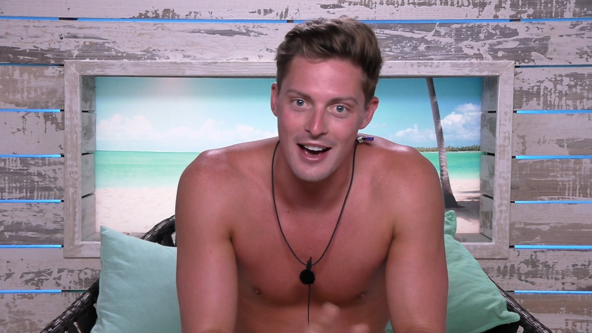 We need to talk about Love Island's Alex and how his treatment of women is actually quite dangerous