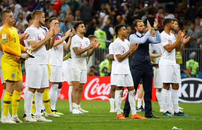 Soccer Football - World Cup - Semi Final - Croatia v England - Luzhniki Stadium, Moscow, Russia - July 11, 2018 England manager Gareth Southgate and his player applaud fans after the match REUTERS/Kai Pfaffenbach TPX IMAGES OF THE DAY