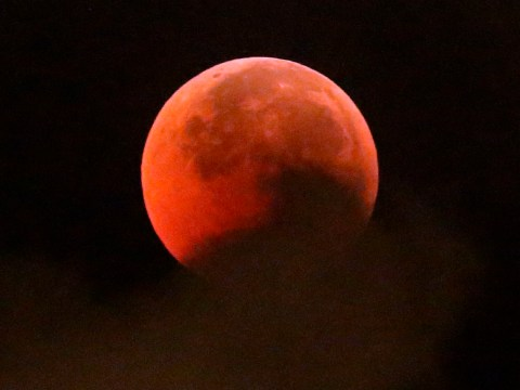 How to photograph the blood moon lunar eclipse in the UK