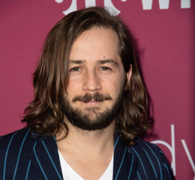This Is Us casts Michael Angarano as Jack's brother in season 3