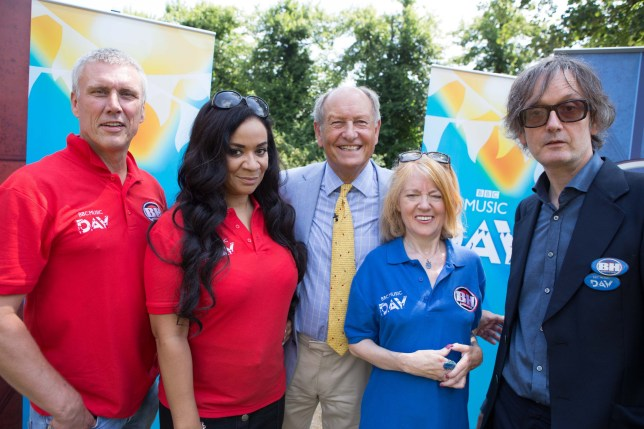 Programme Name: BBC Music Day - TX: 31/07/2018 - Episode: n/a (No. n/a) - Picture Shows: BBC One - Jarvis Cocker with Candida Doyle take on Bez and Rowetta Idah in a Pulp versus Happy Mondays Bargain Hunt special for BBC Music Day. Bez, Rowetta Idah, Thomas Plant, Candida Doyle , Jarvis Cocker - (C) BBC - Photographer: BBC
