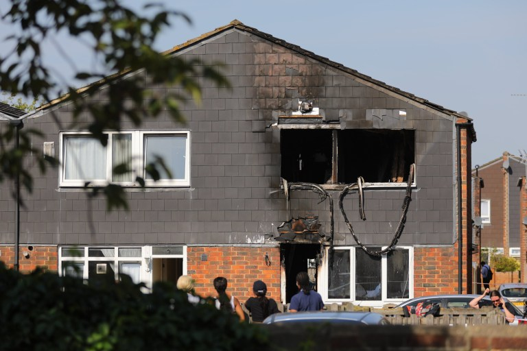 "?? Licensed to London News Pictures. 07/08/2018. London, UK. The scene of a house fire in Deptford, eat London, in which a 7 year-old boy has died. Six fire engines were called to a ""suspicious"" fire in the early hours of Tuesday morning. Photo credit: Rob Pinney/LNP"
