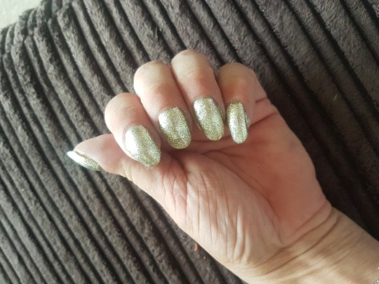 Grandmother discovers her \'ugly\' nails were a sign of lung cancer ...