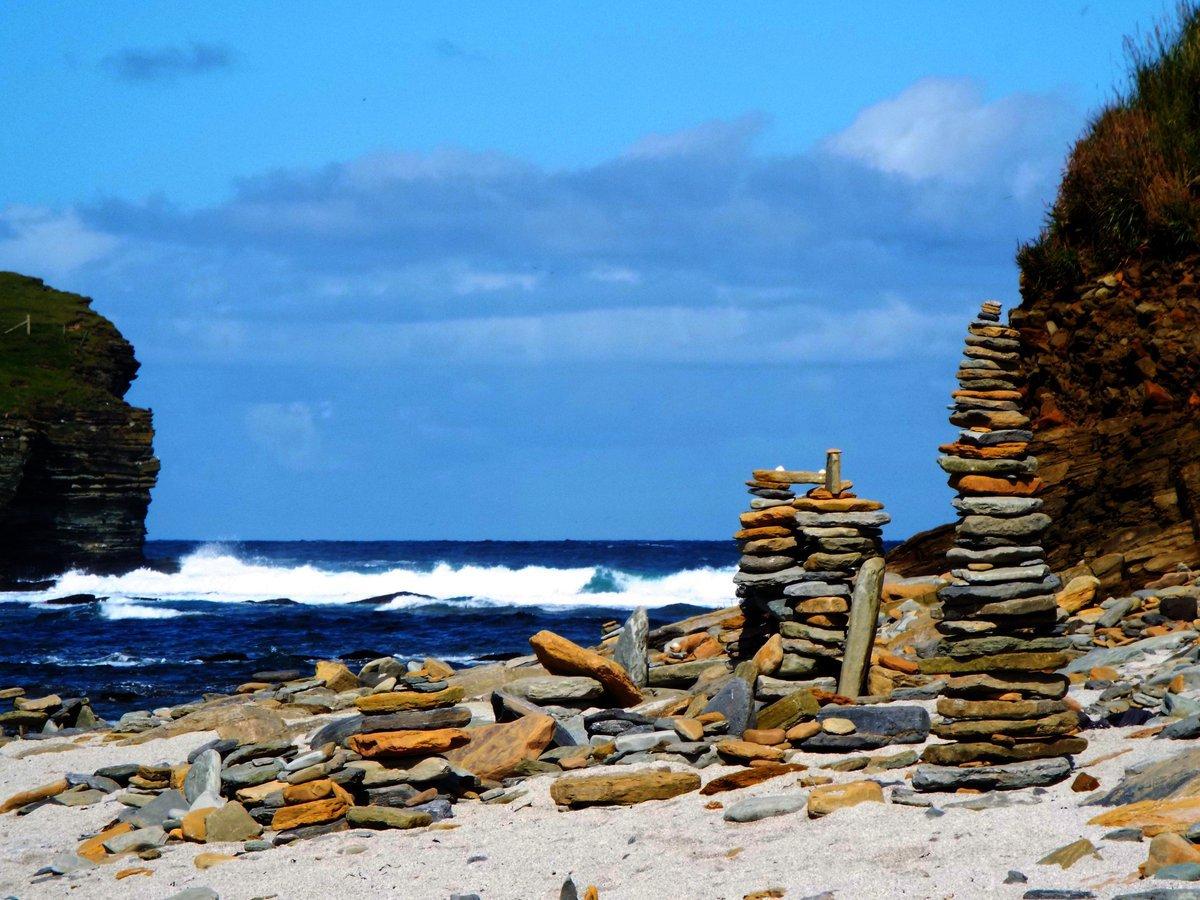 Anger at stone stacking Twitter/Seasaver