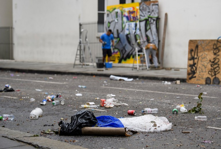 ? Licensed to London News Pictures. 28/08/2018. London, UK. Rubbish and debris remains on the streets after cleanup around the streets of west London after the 2018 Notting Hill Carnival. Up to 1 million people attended this weekend?s event that is one of the worlds largest street festivals. Photo credit: London News Pictures.