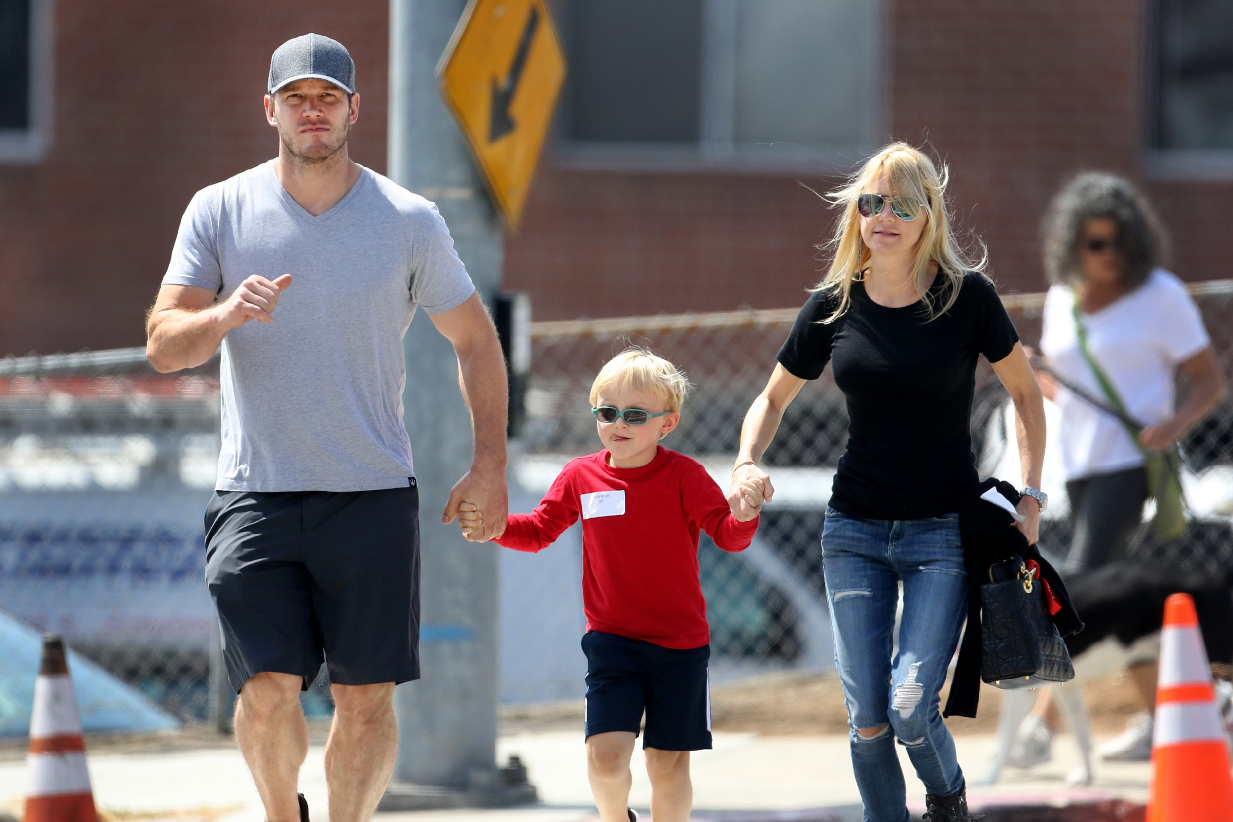 EXCLUSIVE: Christ Pratt takes son and ex Anna Faris for a walk in Santa Monica, CA. 27 Aug 2018 Pictured: Chris Pratt, Anna Faris and son. Photo credit: MB / MEGA TheMegaAgency.com +1 888 505 6342