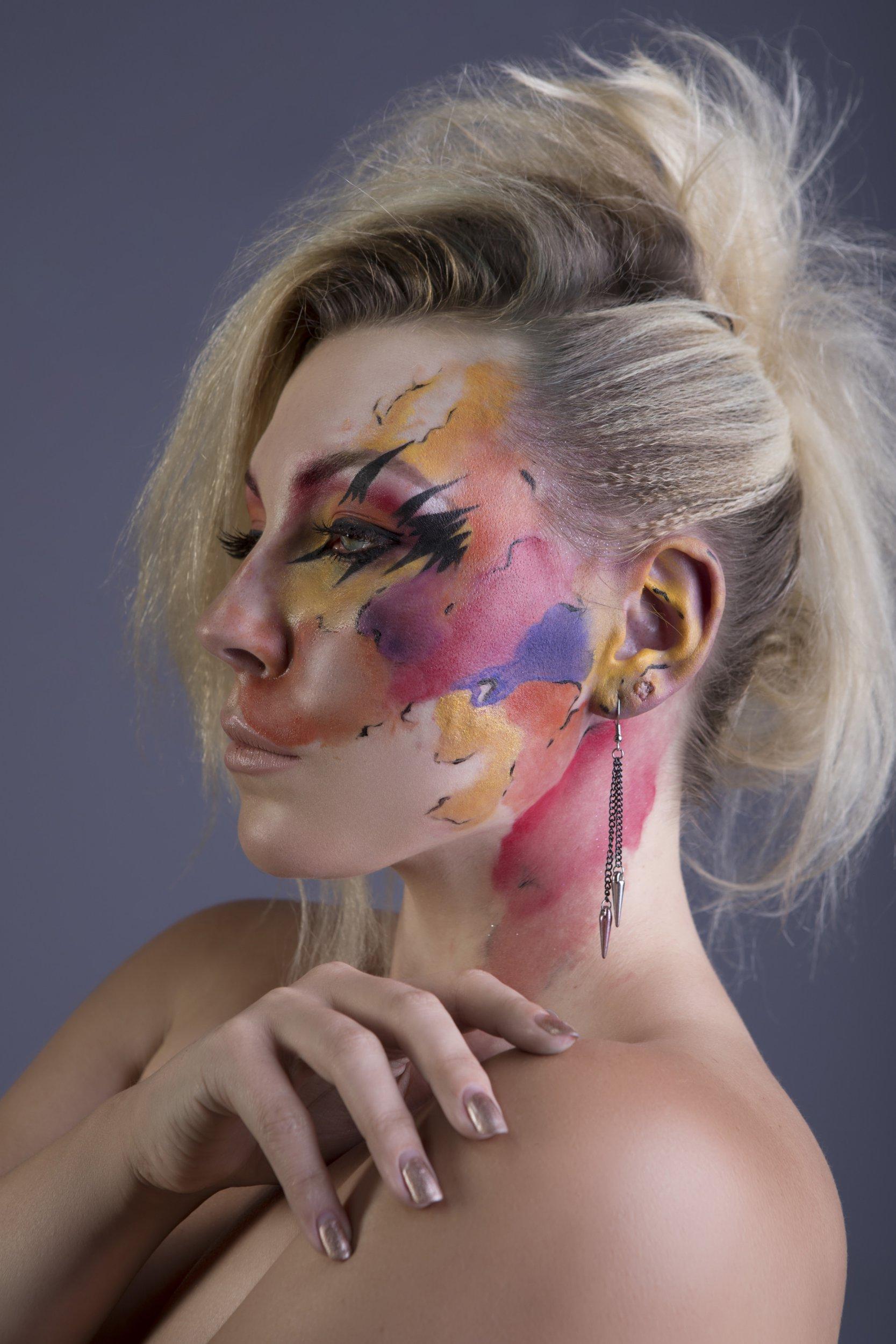 Actor bullied over large facial birthmark releases powerful photoseries