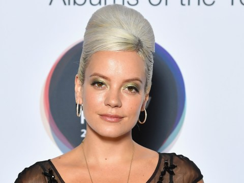 Lily Allen upset as she leaves daughters behind again to embark on US tour