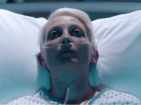 Holby City spoilers: Professor Gaskell takes shocking action to silence Roxanna forever