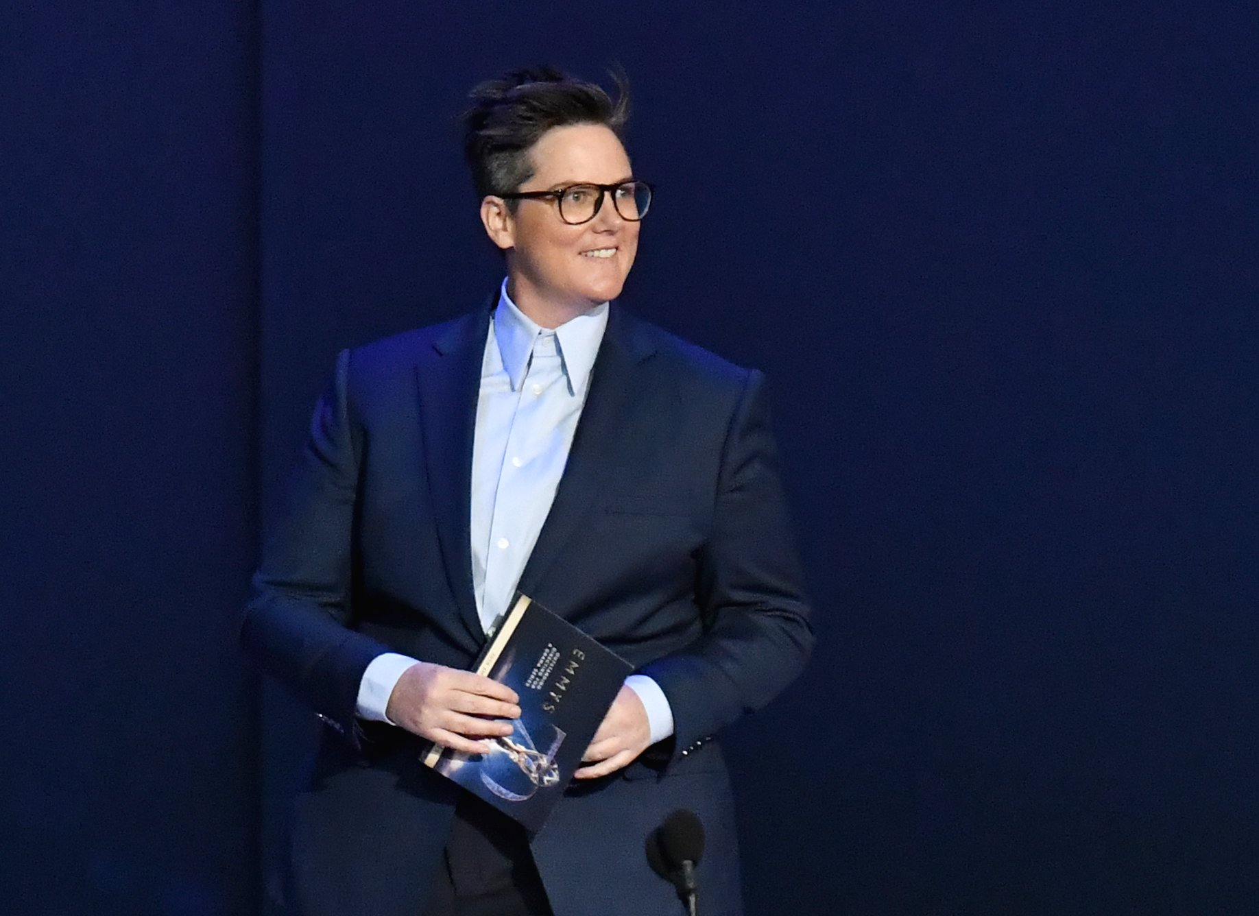 Someone give comedian Hannah Gadsby an Emmy for the funniest moment of the night