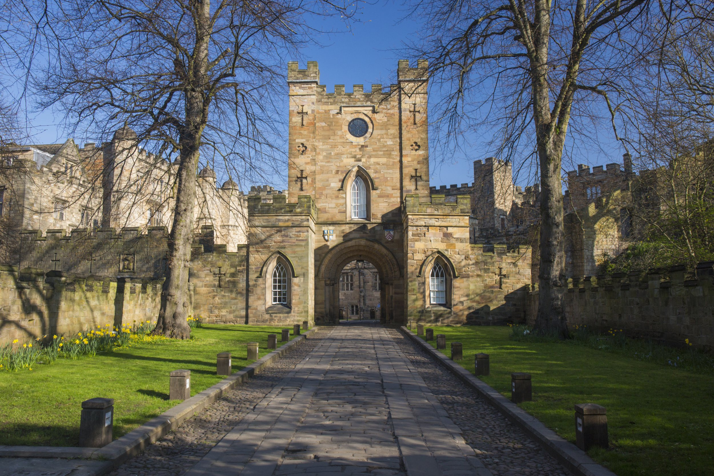 View from Palace Green to the Gatehouse of Durham Castle, Durham, County Durham, England, UK, Europe. The city of Durham, which lies on the River Wear a few miles south of Newcastle-upon-Tyne, is best known for its Norman cathedral and castle, which together were designated a UNESCO World Heritage Site in 1986. The city also boasts a prestigious university, said to be the oldest in England after Oxford and Cambridge, the castle having served as the home of University College since 1837.