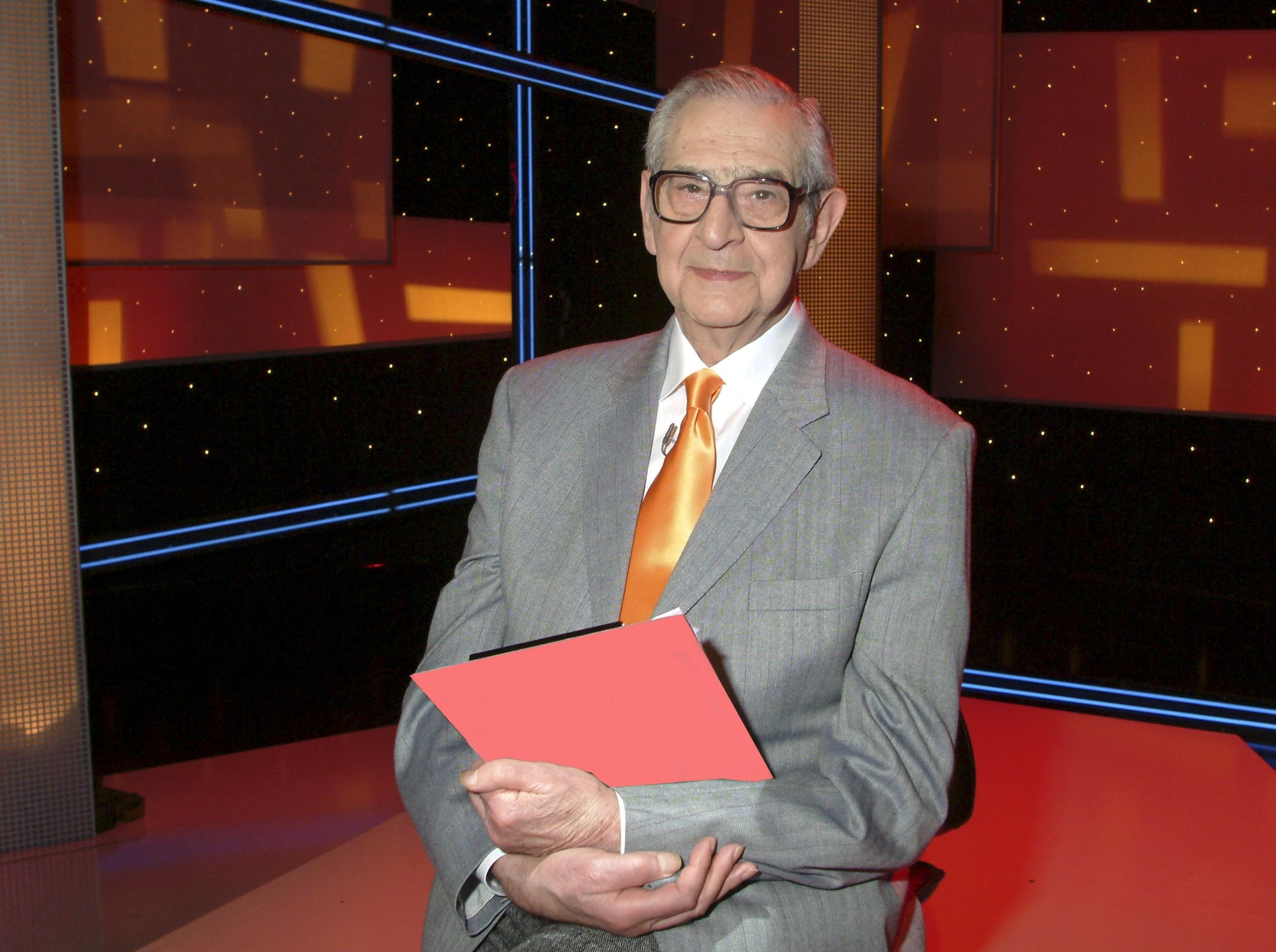 No Merchandising. Editorial Use Only Mandatory Credit: Photo by ITV/REX/Shutterstock (723282hz) It'll Be Alright On The Night' TV - 2005 - Denis Norden ITV ARCHIVE