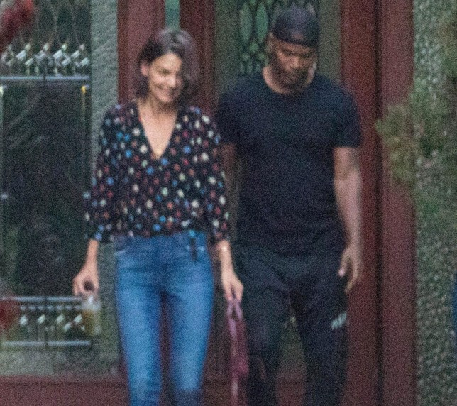 Atlanta, GA - *EXCLUSIVE* - Low profile lovebirds Katie Holmes and Jamie Foxx are spotted stepping out together in Atlanta, Georgia. Doting boyfriend Jamie helped Katie carry her luggage to her car during the outing. *SHOT ON September 18, 2018* Pictured: Katie Holmes, Jamie Foxx BACKGRID USA 21 SEPTEMBER 2018 USA: +1 310 798 9111 / usasales@backgrid.com UK: +44 208 344 2007 / uksales@backgrid.com *UK Clients - Pictures Containing Children Please Pixelate Face Prior To Publication*
