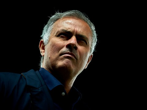 Ryan Giggs urges former club Manchester United not to sack Jose Mourinho
