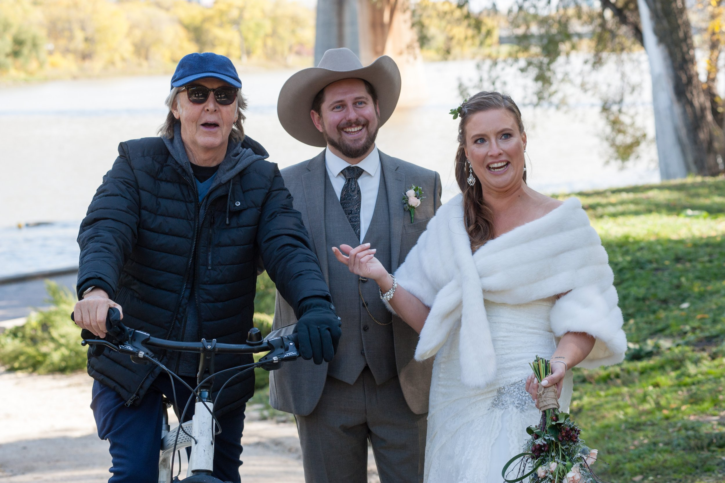 Sir Paul McCartney photo-bombs newlyweds in Winnipeg MADIX Photography