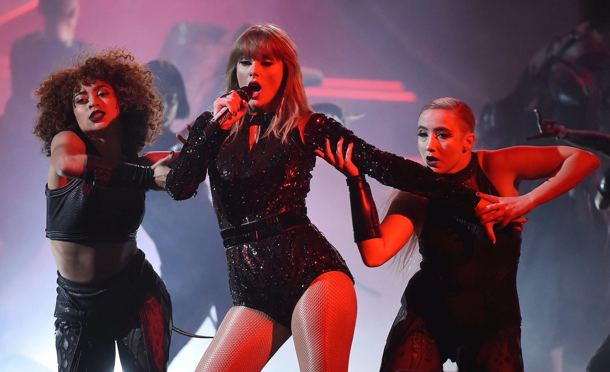 Mandatory Credit: Photo by Frank Micelotta/PictureGroup/REX (9919897dc) Taylor Swift American Music Awards, Show, Los Angeles, USA - 09 Oct 2018