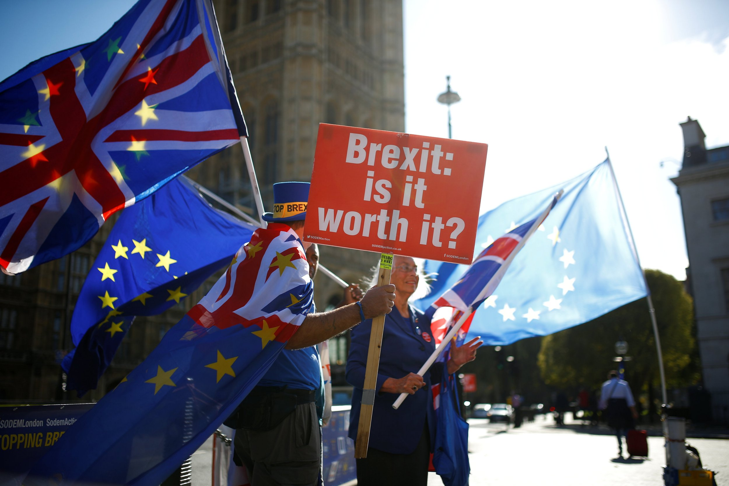 Anti-brexit protestors wave flags outside the Houses of Parliament in London, Britain, October 11, 2018. REUTERS/Henry Nicholls