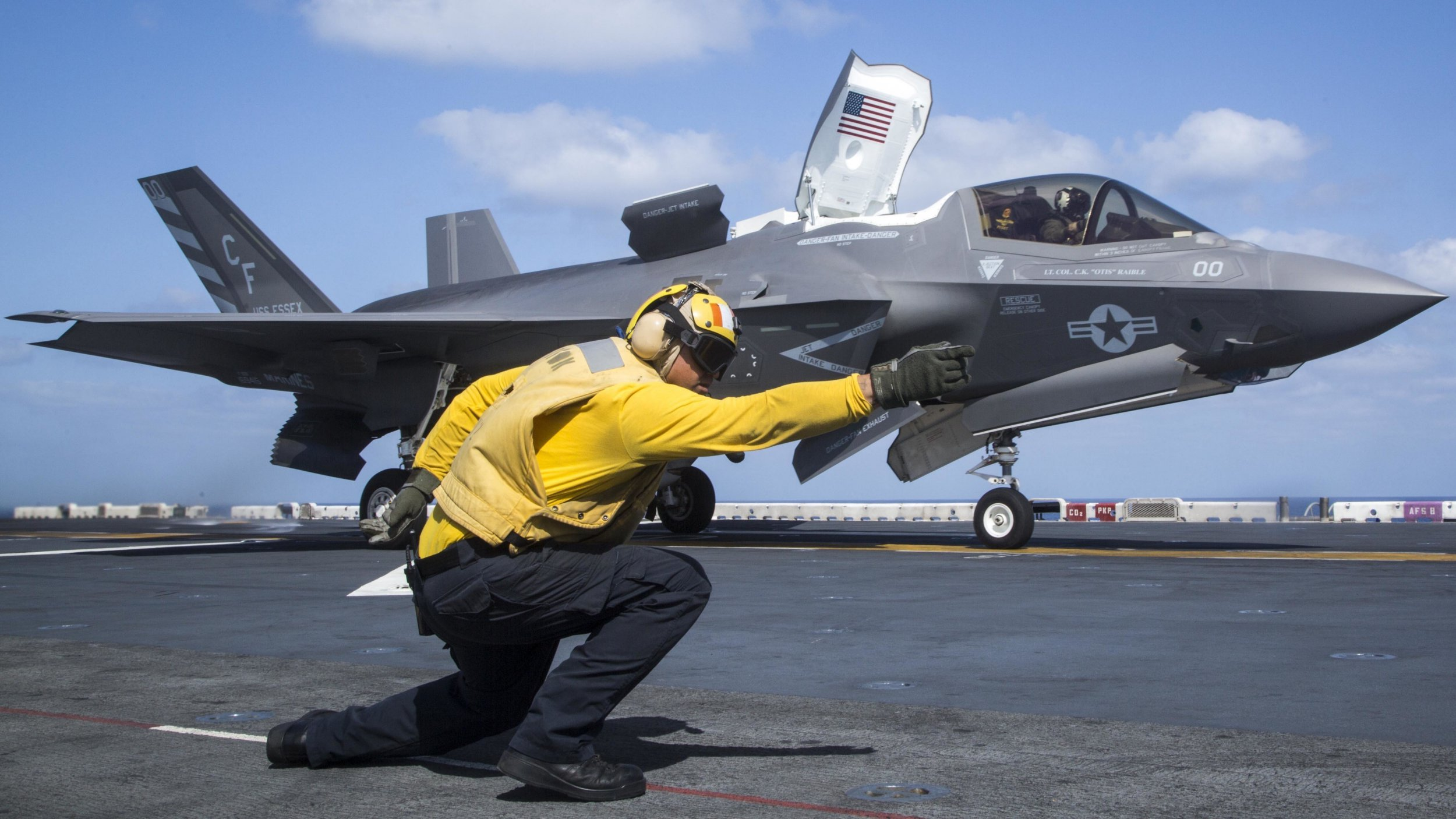 epa07086230 (FILE) - A handout file photo made available by the US Marine Corps on 11 October 2018 shows a US Navy officer launching an F-35B Lightning II from the US Navy Wasp-class amphibious assault ship USS Essex (LHD 2), at sea in the Gulf of Aden, 22 September 2018. The US military announced on 11 October 2018, it grounded its entire F-35 fighter jets fleet in the wake of a jet crash - its first crash of an F-35 aircraft - in South Carolina in September. The Pentagon will investigate a potential issue on faulty fuel tubes. The aircraft are the most expensive ever made. EPA/US MARINE CORPS/CPL. FRANCISCO J. DIAZ JR. HANDOUT HANDOUT EDITORIAL USE ONLY/NO SALES