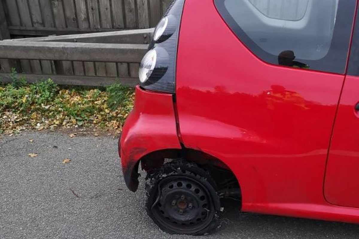 A driver 'under the influence of drugs' took to a busy motorway in a battered car - on one steel wheel rim.And incredibly, the hatchback could have been driven onto the M60 like it from West Yorkshire.
