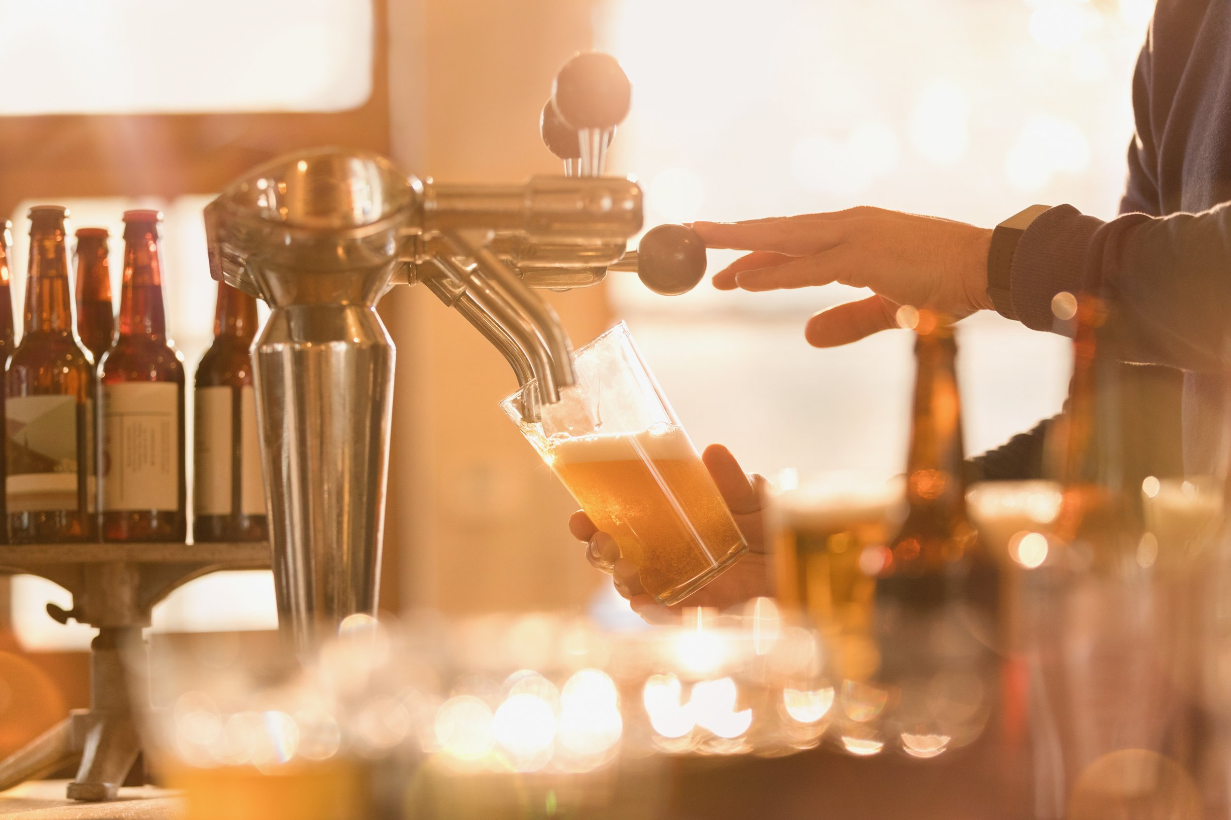 Huge petition to bring down the price of pints could save pubs