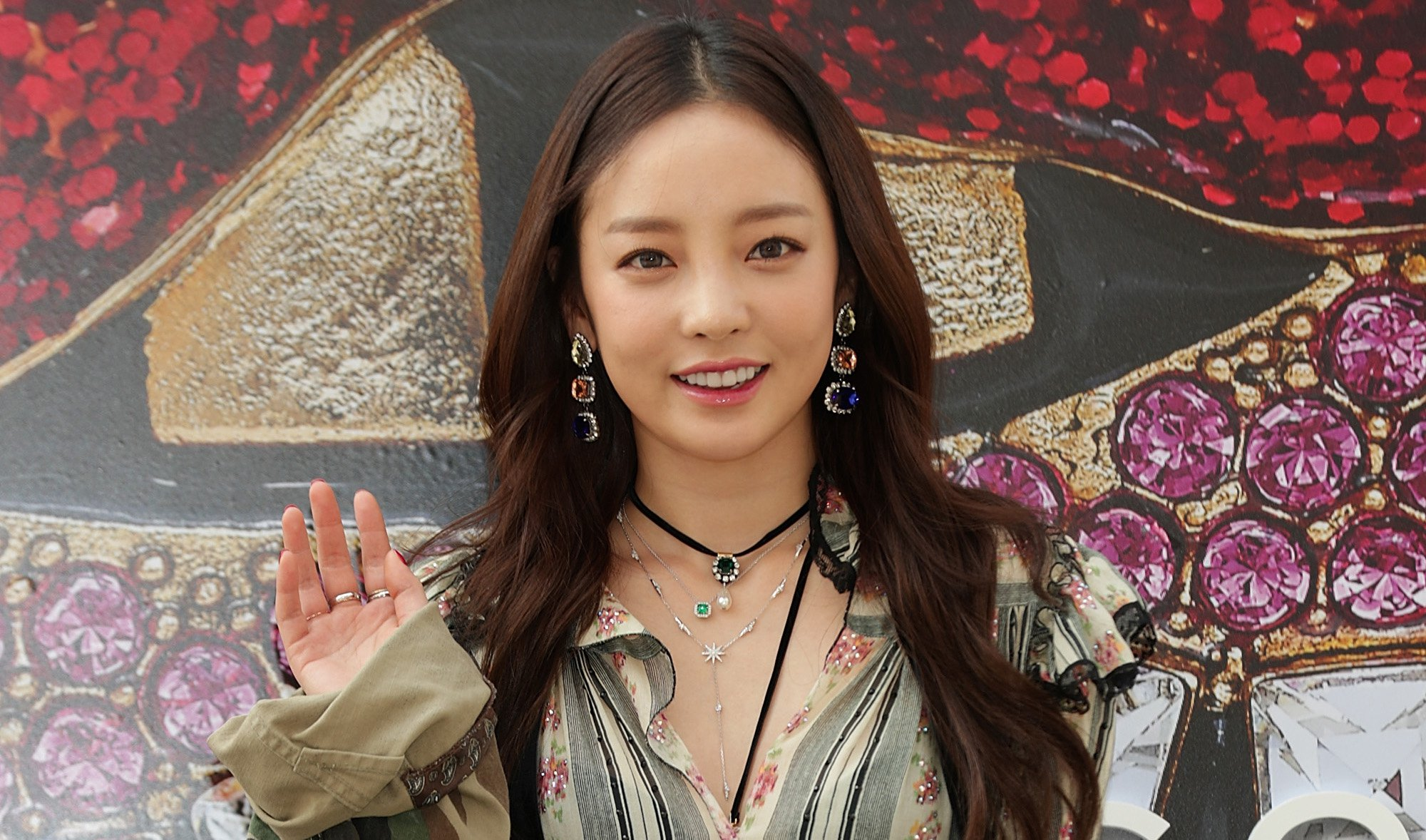 SEOUL, SOUTH KOREA - MARCH 24: Former member of South Korean girl group KARA, Hara attends the photo call for 'Marc Jacobs' at Galleria Department Store on March 24, 2017 in Seoul, South Korea. (Photo by Han Myung-Gu/WireImage)